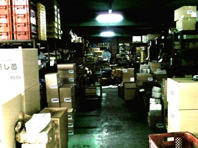 会社の倉庫