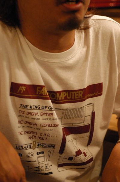 ファミコンTシャツ