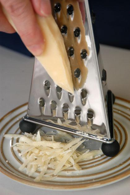 2面 チーズ グレーター
