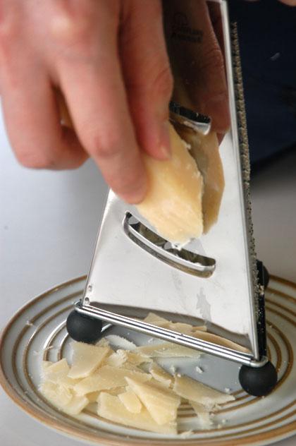 3面 チーズ グレーター